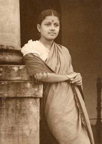 A Young Subbulakshmi in an informal Photograph