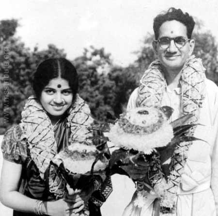 Marriage to T Sadasivam at Thiruneermalai